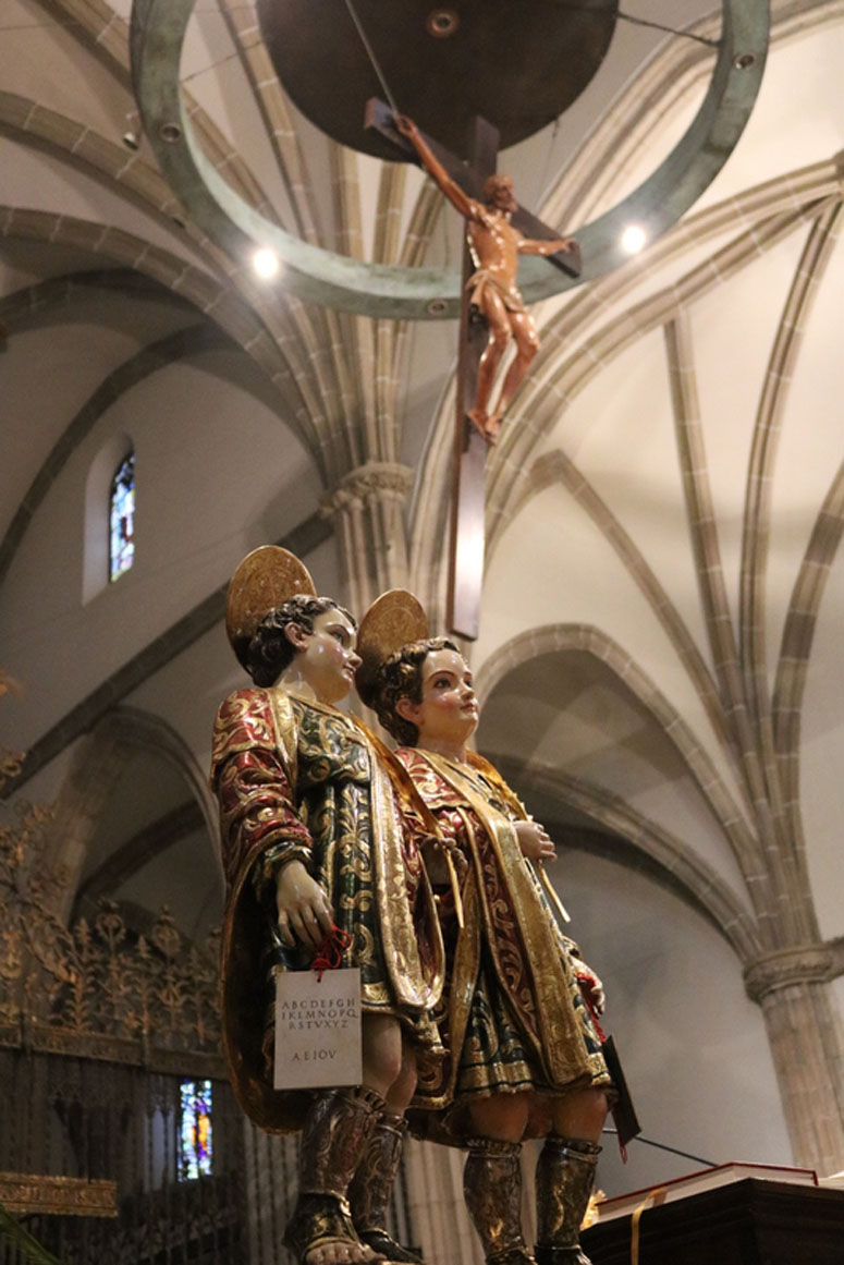 http://archivo.obispadoalcala.org/cutenews-es/data/upimages/2018-03-11_Catedral_familias_07.jpg